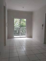 Cód. 005V Apartamento com 2/4 Cond. Itaperuna