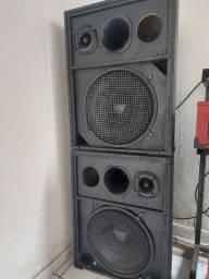 Vendo caixa de som 2 médio fone 15 600rms
