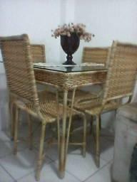 Conjunto de mesa mas 2 cadeira de sala