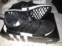 Adidas na caixa