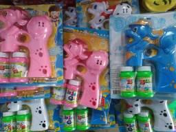 Brinquedo faz bolinhas de sabão