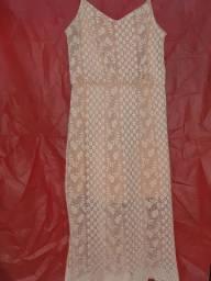 Vestido rendado rosê