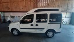 Doblô 2012 Adaptada para Transporte de Cadeirante