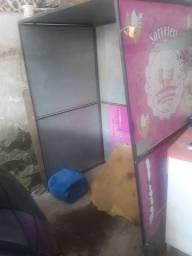 Uma caixa de guarda máquina de sorvete