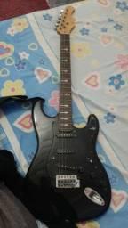 Guitarra stratocaster, aceito propostas