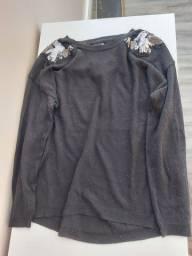 Blusa de lã com detalhes prateados