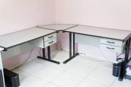 Estação de Trabalho - Duas mesas escritório com gaveteiro + conexão + 1 suporte cpu