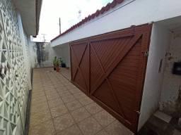 Casa 3 suítes no Tabuleiro dos Martins em condomínio fechado