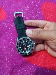 Vendo relógio marca Bulova, automático.