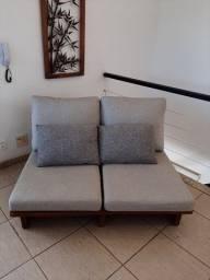 Sofá Vintage de 2 lugares semi novo - 690,00