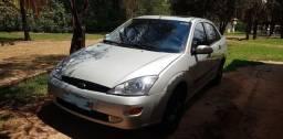 "Focus Sedan Guia com ""Teto Solar"""