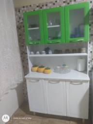 Armário de cozinha super conservado