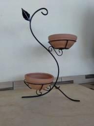Artezanato com metal para vazos de flor
