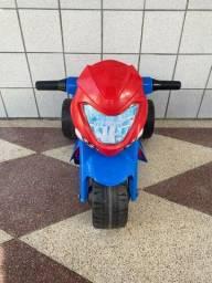 Moto Elétrica Infantil Bandeirante 6V