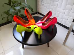 Sapatos 38/39  *