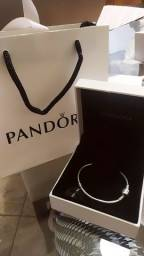 Bracelete Pandora Moments - Prata De Lei 925