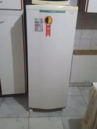 Sofa rack som e geladeira.to esvazindo a casa