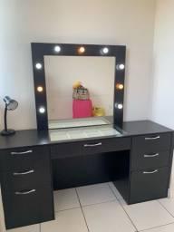 Mesa de maquiagem camarim