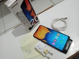 Celular Samsung Galaxy A20 bem conservado