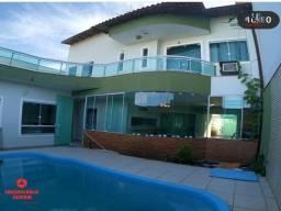UED - Linda casa com piscina na quadra da avenida de Colina