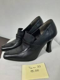 Sapato Feminino - Tamanho 33 - R$15,00