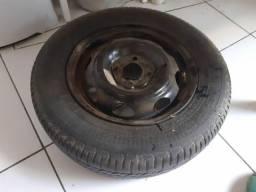 Roda aro 13 com pneu ruim por R$70