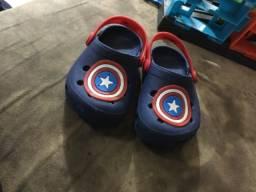 Sapato estilo crocks