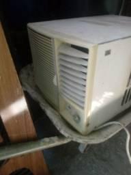 Ar Condicionado 6.000Btws bom.Leia a Descrição.