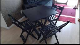 conjunto de dobráveis com 4 cadeiras em eucalipto tratado