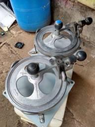 Vendo fechador de marmitex usados, mais funcionando perfeitamente