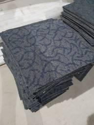 Carpete em Placa Usado / Seminovo