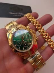 Relógio Rolex Daytona Dourado com Bracelete Rolex.