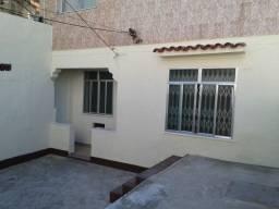 Vende-se ótima casa, no térreo, todo independente com 3 quartos em Vista Alegre/RJ