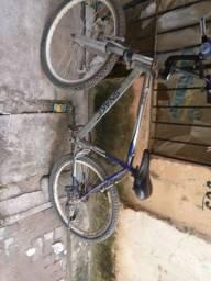 Bicicleta aro 26 - preço negociável