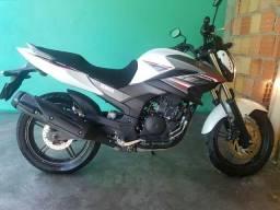 Motocicleta Fazer 250cc; Branca; Ano: 2017 - 2017