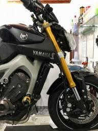 Vendo Yamaha MT-09 ABS 15/16 edição limitada cor roxa - 2015