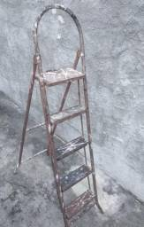 Escada de ferro 5 degraus