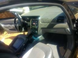 Vendo ou troco por caminhão Fiat Linea HLX 1.9 completo mais bancos de couro  - 2010