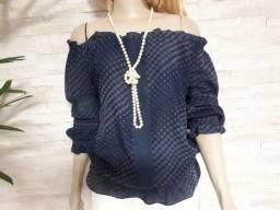 Blusa Azul ombro a ombro detalhes poàs
