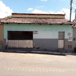 Casa de 2 quartos no urias magalhães