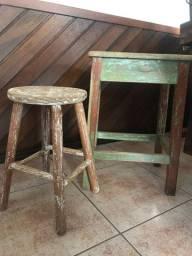 Mesa e banco antigo