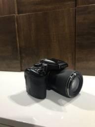 Câmera Profissional FujiFilm S8200