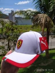 Bonés Ferrari Puma- Produtos Novos