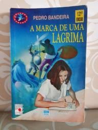 """Livro """"A marca de uma lágrima"""""""
