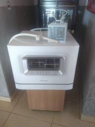 Máquina de lavar louças Eletrolux LE06B