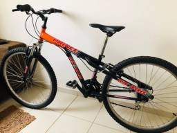 Bicicleta adulto semi nova - baixei