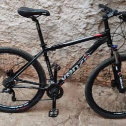 Bike a venda, menos de um mês de uso.