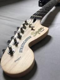 Guitarra Canhota Fender Squier Stratocaster