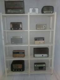 Rádios antigos.