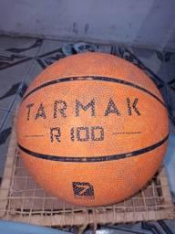 Bola de basquete usada
